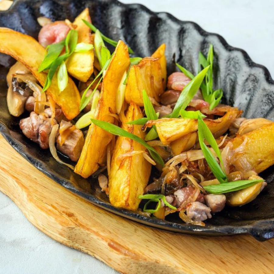 Сковородка по-деревенски со свининой